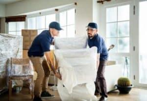 Engager un déménageur plutôt que de faire le déménagement seul