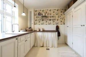 En ce qui concerne les cuisines et tous les éléments de mobilier de salle de bains